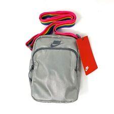 Nike Heritage BETRUE Unisex Crossbody Bag Silver CJ9056-010 NEW BE TRUE