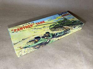 """Aurora 1956 German """"Panther"""" Tank"""