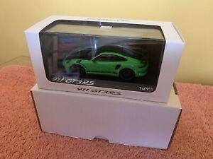 Minichamps Porsche GT3RS Weissach, Green 1 of 911 WAX02020097 1/43 Scale