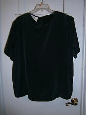 L@@K New Editions Sz 18 Dressy Black  Key Hole Close Top  Nice Style & Color