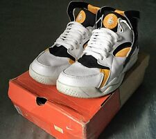 NM Nike Air Flight Huarache 305439-102 white black pro gold 2003 size 9