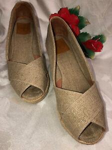 TORY BURCH Made in Spain women Beige Canvas Platform Wedges Shoes. US SZ-8B.