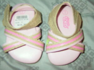 NWT BABY/TODDLER Girls Pink Sandals--Size 2