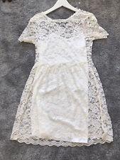 Sommer Kleid S Sehr Schönes Kleid Stradivarius Weiß Neu