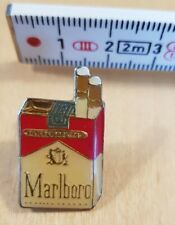 Label Pin Marlboro filter cigarettes box, Pin