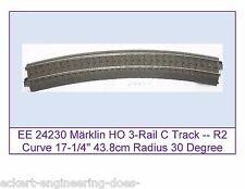 """EE 24230 New Märklin HO 3-Rail C Track R2 Curve 17.25"""" 438mm Radius 30 Deg Arc"""
