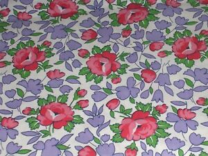 """178O Vintage 35"""" Wide COTTON QUILT Fabric RED ROSES Lavender & Green Leaves 6+YD"""