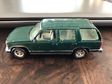 Vintage 367 Johnny Lightning 1997 Chevy Tahoe used under license