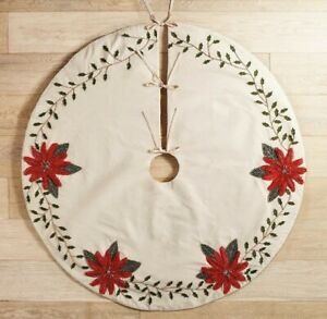Pier 1 Imports Beaded Appliqué Christmas Poinsettia Tree Skirt 52""