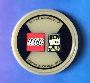 * Rare * BEN 10 2010 MERLIN LEGOLAND WINDSOR LEGO GLOW IN THE DARK POP BADGE