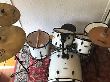 Complete Pearl Forum Drum Kit