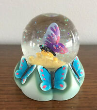 2000 Spencer Gifts Butterfly Snow Globe, Snowdome