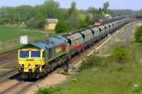 PHOTO  CLASS 66 DIESEL 66515 AT MONK FRYSTON ON 11/05/01 VIEW 2