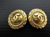 Auth CHANEL Gold Tone CC Logos Clip-On Earrings Vintage 6F290370N*