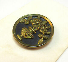 VINTAGE TWO TONE METAL FLOWERED VASE BUTTON *