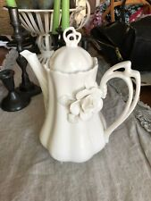 GRACE'S TEAWARE LG WHITE TEAPOT W RAISED FLORAL VICTORIAN . Holds 6 Cups. New.