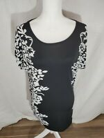 Women's Relipop Black and White Short Sleeve Floral Top Size Large