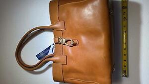 Dooney & Bourke Large Amelie Leather Shoulder Bag MSRP 388$ with little defect