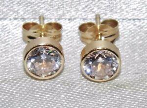 9ct Yellow Gold 1.00ct Solitaire Bezel Set Ladies Stud Earrings -