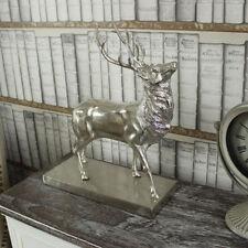 Ornements et figurines traditionnels en métal pour la décoration intérieure de la maison