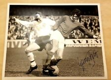 Photo- GEORGE BEST SIGNED  ACTION SHOT (apx.25x20 cm)