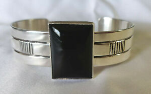 VINTAGE Patterson Johnson NAVAJO Sterling Silver & Onyx  Cuff Bracelet