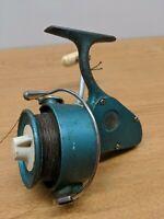Vintage Fishing Spinning Reel PENN 704 GREENIE