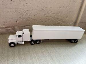 ERTL #9866 Diecast Semi Truck & Trailer 1:64 Ford White/White