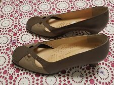 Magic Carpet Italian Connection 2 Tone Brown Leather Shoes Size 6 NWOT