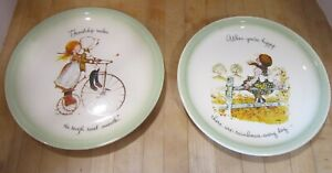 """Lot of 2 Holly Hobbie 10"""" 1972 plates When You're Happy & Friendship Makes - New"""