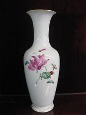 KPM Berlin Vase mit Blumen Schmetterling  33,5 cm Figur Blumen Zepter Blumenvase