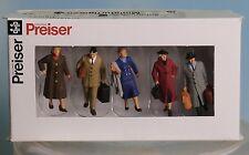 Preiser 65365, Spur 0  1:43,5 / 1:45, gehende Reisende, walking Passengers