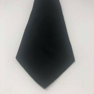 Brooks Brothers Makers Black Solid Textured 100% Silk Necktie MADE in USA