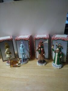 A Christmas carol figurines Charles Dickens .lot of 4 1993