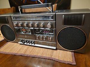 G.E. 5262D boombox