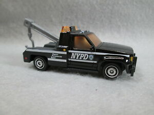 NYPD POLICE  GMC WRECKER TOW TRUCK   NEW 1/72 DIE-CAST MATCHBOX