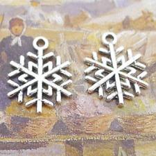 20pcs Christmas Snow Tibetan Silver Bead charms Pendants fit bracelet