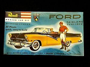 Model Kit  Ford Fairlane Sunliner Revell *
