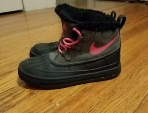 Nike Kids Woodside Chukka 2 Anthracite/Hyper Pink-Black Boots, Youth size 3