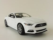 Ford Mustang GT 2015 blanco 1/18 maisto Exclusive 38133