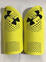 UNDER ARMOUR UA  BLUR SHINGUARDS FOR SOCCER SIZE  MENS LARGE  w/ SLEEVES YELLOW