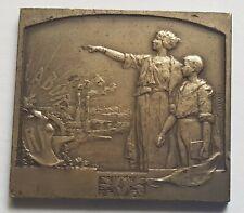 Belle Médaille plaque Labor RF argent  97 gr