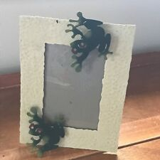 Figi Graphics Cream with Green Frog Wiggle Metal Picture Frame that holds 4 x 6