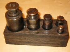 Alte Gewichte Set in Holzbox 5 gewichte 1,85 Kg