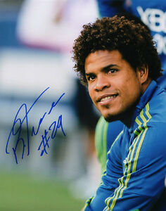 ROMAN TORRES SIGNED 8X10 PHOTO SEATTLE SOUNDERS FC SOCCER MLS CUP CHAMPIONS!!!