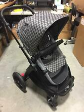 Mountain Buggy 2016 Luxury Collection Baby Stroller in Cosmopolitan Geo One