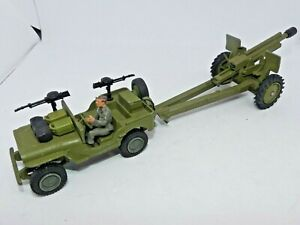 Dinky Toys US Jeep No.615 With Gun Placement & Howitzer 105 mm GUN
