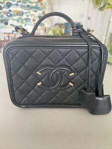 Chanel Vanity Filigree Cc Medium Caviar Black Crossbody Bag Gold Hardware