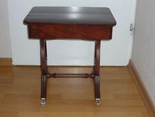 Beistelltisch Holz Tisch Mahagoni mit Schublade auf Rollen