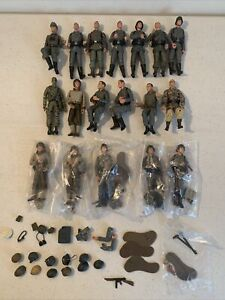 1:18 Ultimate Soldier 21st Century Toys WWII Germans American guns helmets Lot Y